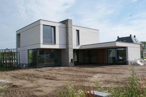 Uitgelicht opgeleverd in 2013 moderne nieuwbouw for Moderne bouw