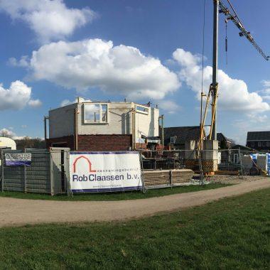Nieuwbouw woning aan de Rotsheide te Venray: metselwerken in volle gang