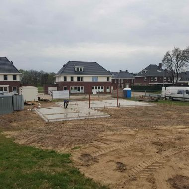 Nieuwbouwwoning te Venray: begane grondvloer gestort, we zijn uit de grond!