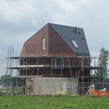 Moderne vrijstaande woning te Venray: het voegwerk vlot.